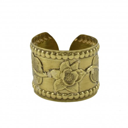Brass bracelet with flower subject
