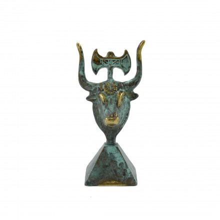 Head of holly bull (with double axe)